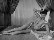 YVONNE DE CARLO Sexy BAREFOOT PHOTO Munsters HAREM GIRL Legs BUSTY bare belly