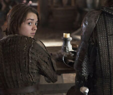 Maisie Williams UNSIGNED photo - E427 - Game of Thrones