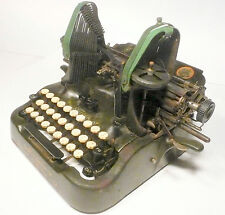 vintage 1912 OLIVER STANDARD TYPEWRITER VISIBLE WRITER #9 - mostly working order
