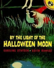 By the Light of the Halloween Moon (Picture Puffins)