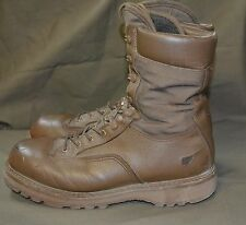 Used Canadian military combat boots size 8 1/2 ( 265/100) ( Z18 )