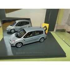 RENAULT GRAND SCENIC II Phase 1 2004 Gris UNIVERSAL HOBBIES 1:43