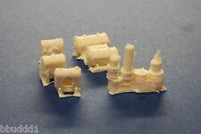 HO SCALE SCENERY TANKS & DRUMS 5 PIECES