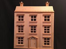 Medie in legno Doll's House
