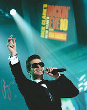 **GFA Blurred Lines *ROBIN THICKE* Signed 8x10 Photo AD2 COA**
