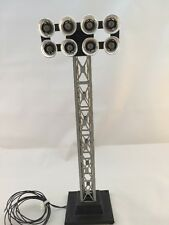 LIONEL FLOODLIGHT TOWER ILLUMINATED 8 blubs train track lighting  6-14092 Used