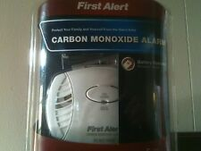 New FIRST ALERT Carbon Monoxide CO Detector Alarm CO400 Battery Operated