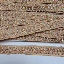 Attraente Etnica Indiana perle e oro in tessuto Pizzo Trimming venduto dalla metro