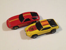 Hot Wheels Lot of 2 x Diecast Cars Porsche Upfront 924 and 928 1:64 Scale