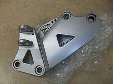 KAWASAKI RIGHT FOOT PEG FOOTPEG BRACKET ZX600 ZX 600 NINJA ZX6 6 E MODELS 93-99