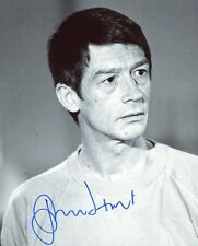 AUTOGRAPHE SUR PHOTO 20 x 25 de John HURT (signed in person)