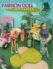 USED FASHION DOLL ON THE GREEN GOLF CARTS & CLUBS PLASTIC CANVAS PATTERN BOOK