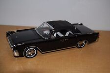 ROAD SIGNATURE 1:18 1961 LINCOLN CONTINENTAL DIE-CAST CAR BLACK w COA NMIB