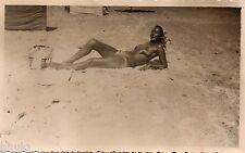 BK314 Carte Photo vintage card RPPC Femme woman plage bronzage unusual pin-up