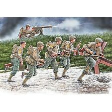 """NEW!!! US SOLDIERS, OPERATION OVERLORD PERIOD """"Move Move!"""" 1/35 MASTER BOX 35130"""
