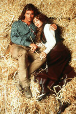 JOE LANDO & JANE SEYMOUR UNSIGNED PHOTO - 3965 - DR. QUINN