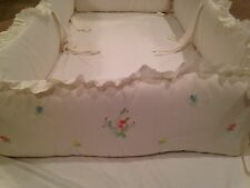 House of Hatten Baby Crib Bumper Pad.