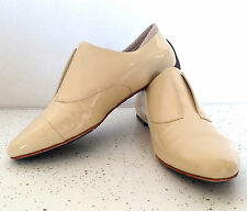TSUBO Beige Nude Cap Toe Rylee Oxfords Flats Womens Shoes Size 8 / 39 Leather
