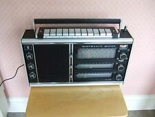 GRUNDIG SATELLIT 2100 VINTAGE  ALL BAND WORLD RADIO