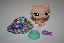 LITTLEST PET SHOP #669 TAN AND PINK RACCOON 2006 Plus Accessories Hat Bowl Fish