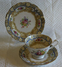 Royal Albert VALENTINE PIASTRA Coppa & Piattino Trio