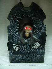 HALLOWEEN TUMBSTONE ANIMATED WITCH W/LIGHT UP EYES MOVING MOUTH 19 INCHES TALL