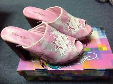 Ed Hardy Women's Heart Rose Print Clogs Pink Size 6 - 7