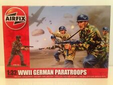 Airfix A02712 WWII German Paratroopers 1:32 Scale New 14 Unpainted Pieces OFFER