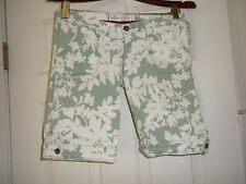Juniors Ladies 1 Hollister Green floral shorts Cotton/Spandex HCO