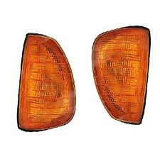 Mercedes W123 280E Set of Front Left and Right Turn Signal Light Assembly Uro