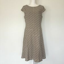 Anne Klein Dress Size 12 career work or casual Beautiful Flattering Stretchy