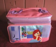 """GLAMOUR GIRLZ"" SALON/OVERNIGHT BAG/ DOLL CASE: STUFFED WITH DOLL CLOTHES!!"