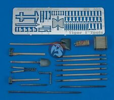 Royal Model 1/35 German Tiger I Tank Tools & Holders Set WWII [Resin + PE] 455