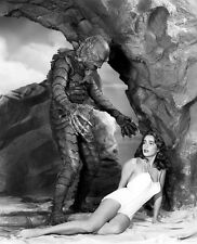 Julie Adams & Ben Chapman UNSIGNED photo -B2086 - Creature From the Black Lagoon