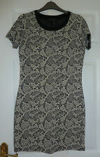 DOROTHY PERKINS BLACK AND WHITE DRESS - SIZE UK8