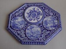 Creil Montereau. Plateau en faïence à décor camaïeu bleu de médaillons, XIXe