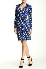 DVF New Jeanne Two Wrap Dress in Arrow Tooth Us size 8 New !!!