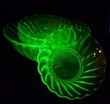 Art Deco Bagley uranio Verde Tazón de vidrio y 4 Conjunto De Plato De Helado Sundae de fruta