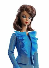 Beautiful Silkstone City Chic Suit Barbie NRFB Fashion Model Collection