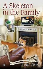 A Skeleton in the Family (A Family Skeleton Mystery)-ExLibrary