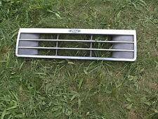 1991-94 Ford Explorer Chrome Grille Assembly w/ Emblem F17B-8200 *FREE SHIPPING*