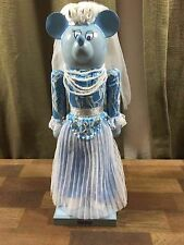 DISNEY WORLD DISNEYLAND HAUNTED MANSION CHRISTMAS MINNIE MOUSE BRIDGE NUTCRACKER