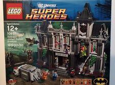 LEGO (10937) Batman Arkham Asylum Breakout - Dr. Harleen Quinzel, Poison Ivy