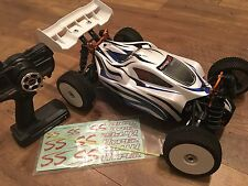 Hyper SSe Electric 1/8 Ready to Run R/C Offroad Buggy w/Blue Trim 14361