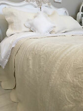 KING SIZE  CREAM QUILTED BEDSPREAD 100% COTTON CREAM /  ECRU PATCHWORK