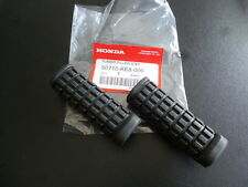 Honda vtr250 cb400f vt500 nt650 nx650 Pillion Step Rubbers Set X2 Genuine.