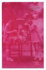 Carte postale ancienne   Fillettes   Bonne année   Table   Panier de fleurs