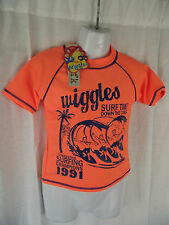 BNWT Boys Sz 4 Cute Navy/Fluro Orange Wiggles Print Licenced Swimming Rash Vest