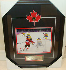2014 Winter Olympics Gold Medal Jonathan Toews Hockey Canada 8x10 Frame Loonie