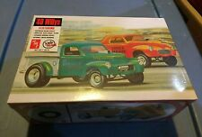 AMT 818 1/25 Scale 1940 Willys Coupe / Pickup Plastic Model Kit